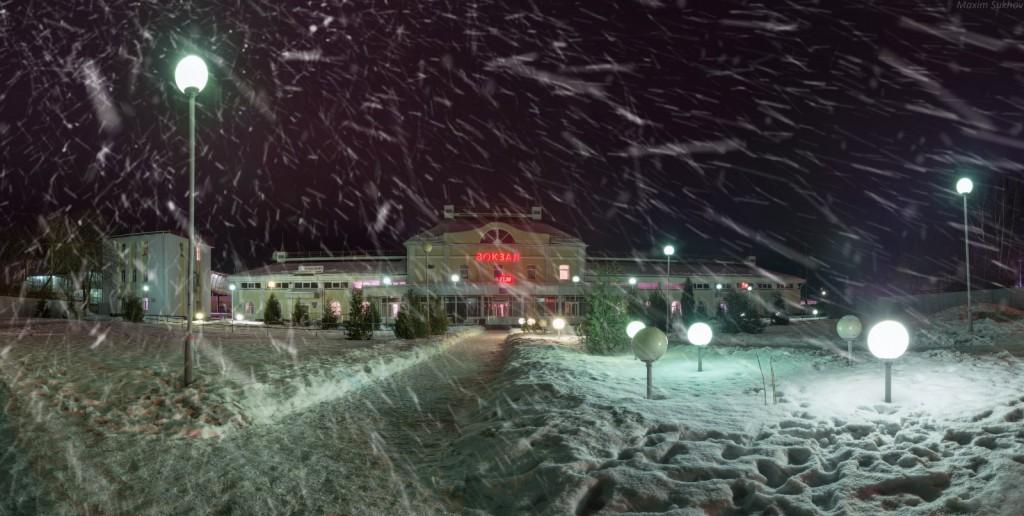 ЖД Вокзал Вязники занесенный снегом