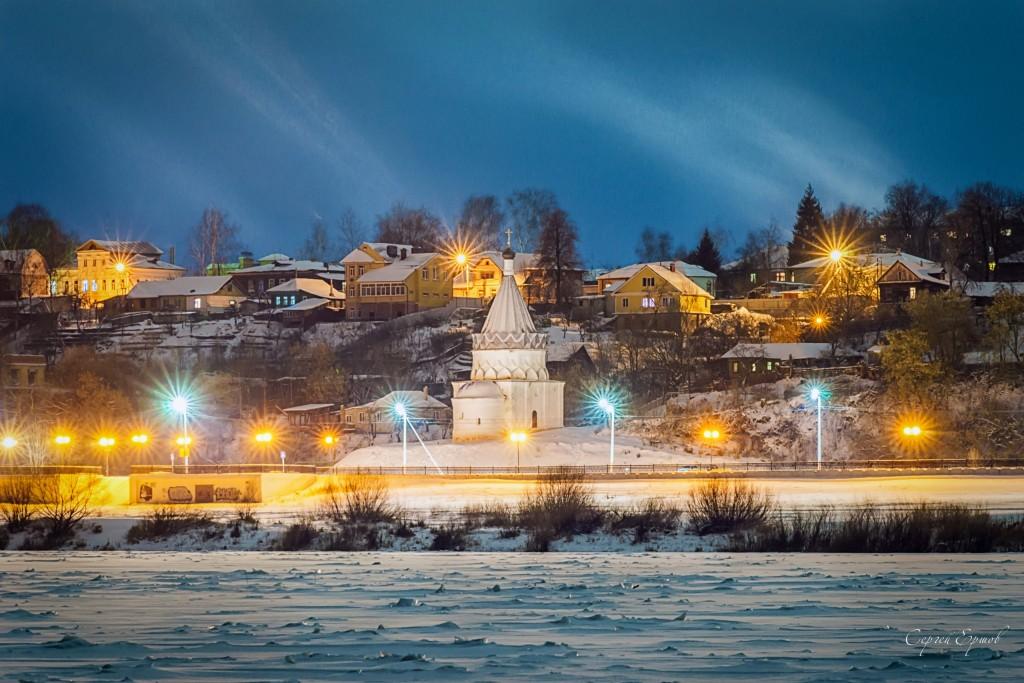 Муром. Ночь вид с Оки. Набережная Церковь Космы и Дамиана