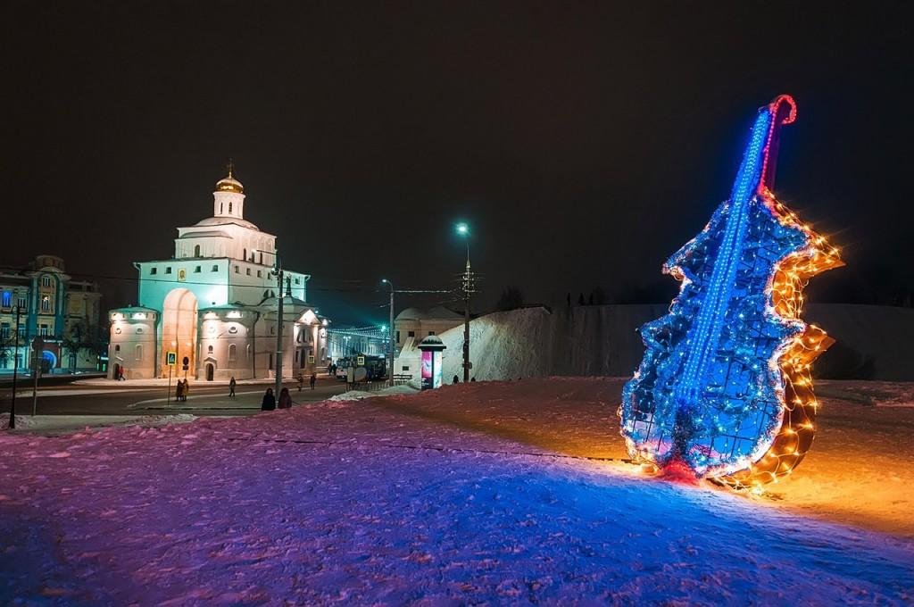 Новогодняя театральная площадь и Спасский холм 01