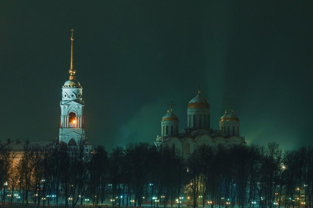 Новогодняя театральная площадь и Спасский холм 06