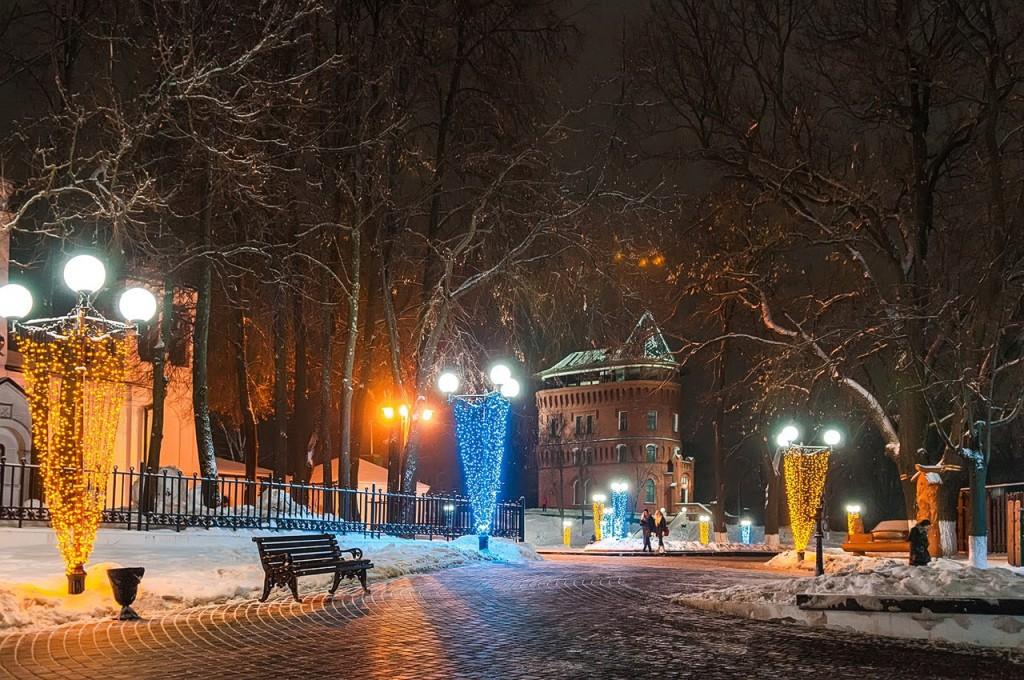 Новогодняя театральная площадь и Спасский холм 09