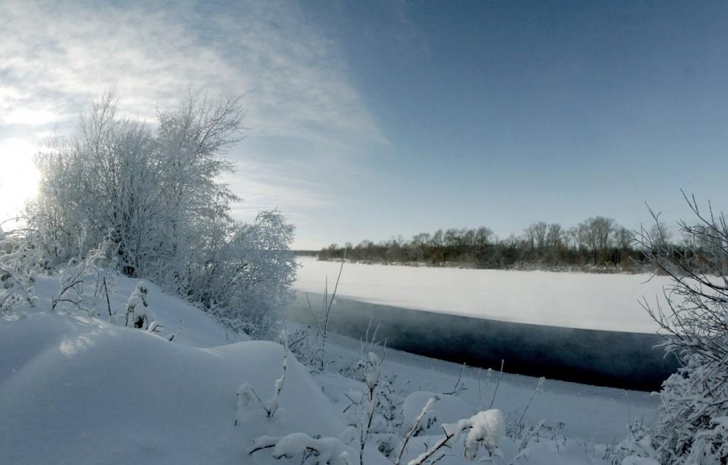 Погода под -30, а река Клязьма под городом Ковровом разморозилась 03