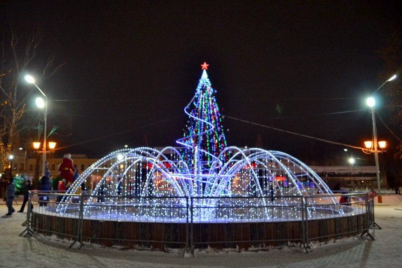 Праздничный фонтан в центре Мурома