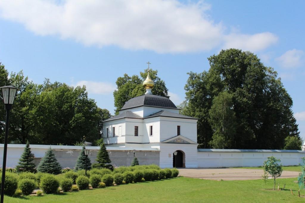 Свято-Троицкий Стефано-Махрищский монастырь (лето 2016) 02