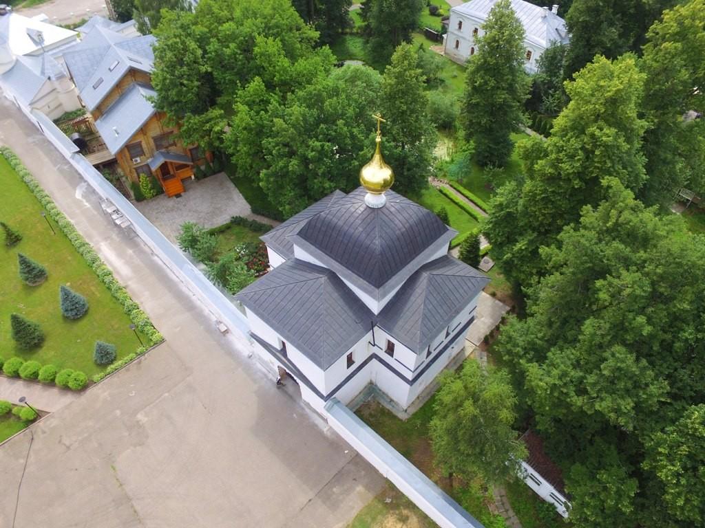 Территория Троицкого Стефанова Махрищского монастыря с высоты 03