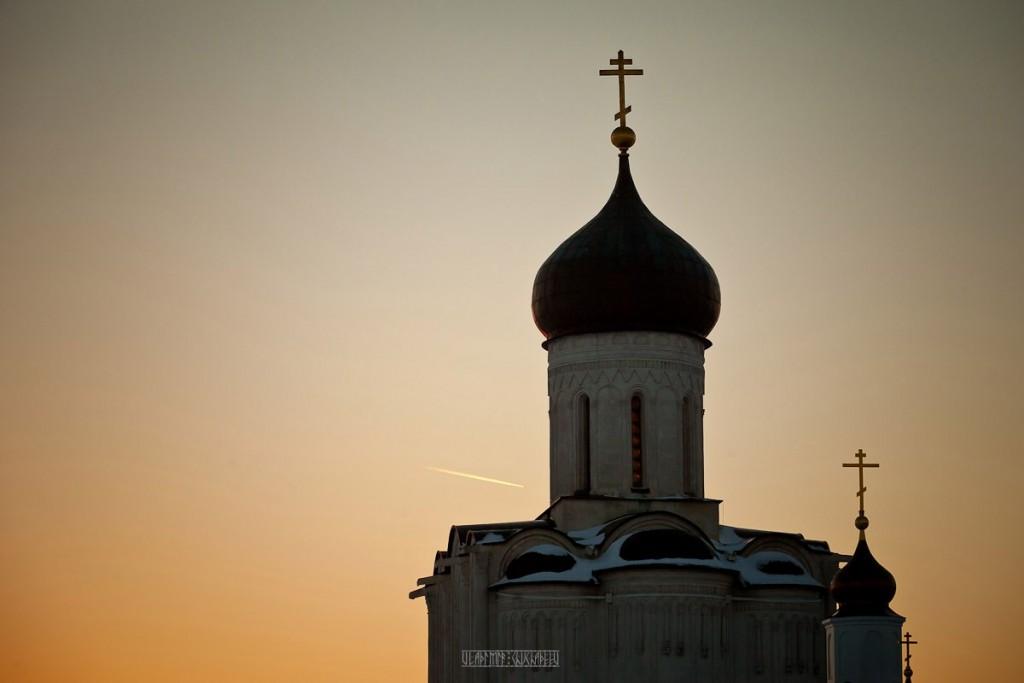 2017.02.07, церковь Покрова На Нерли на закате 01