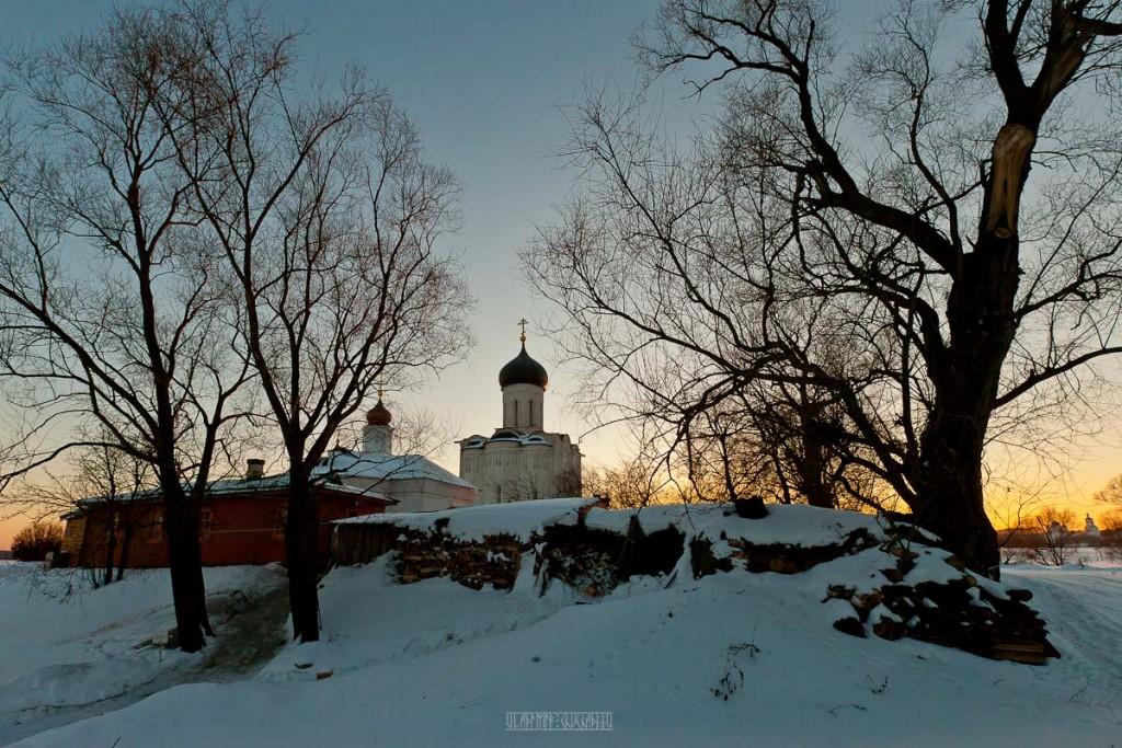 2017.02.07, церковь Покрова На Нерли на закате 05