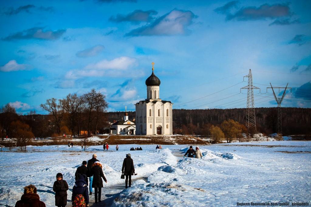 Боголюбовский луг и церковь Покрова на Нерли в последние, солнечные февральские дни уходящей зимы 02