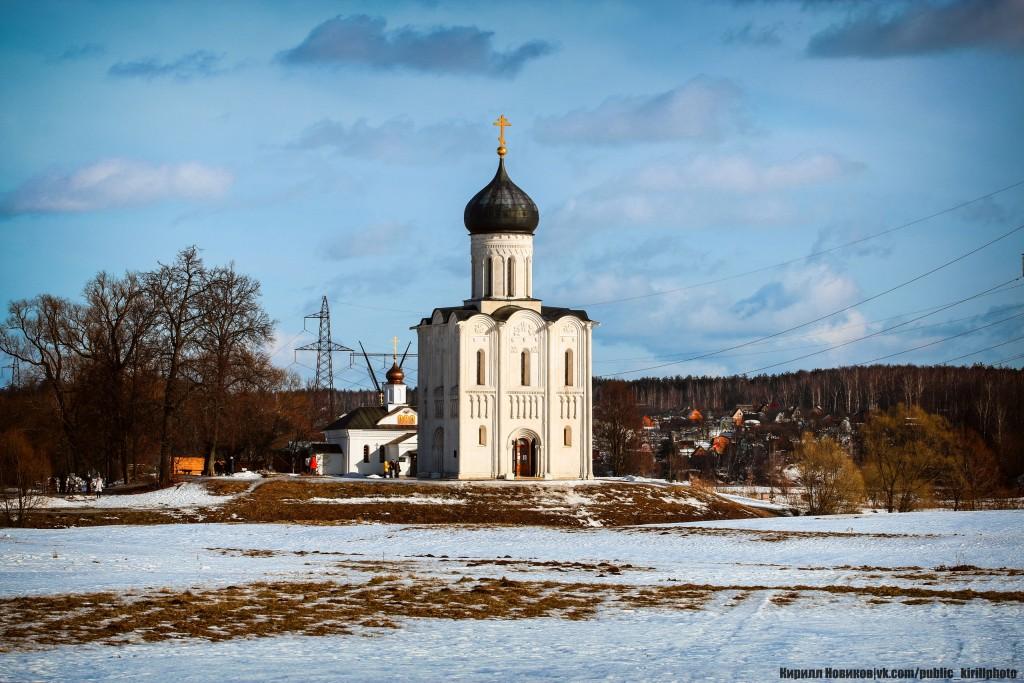 Боголюбовский луг и церковь Покрова на Нерли в последние, солнечные февральские дни уходящей зимы 07