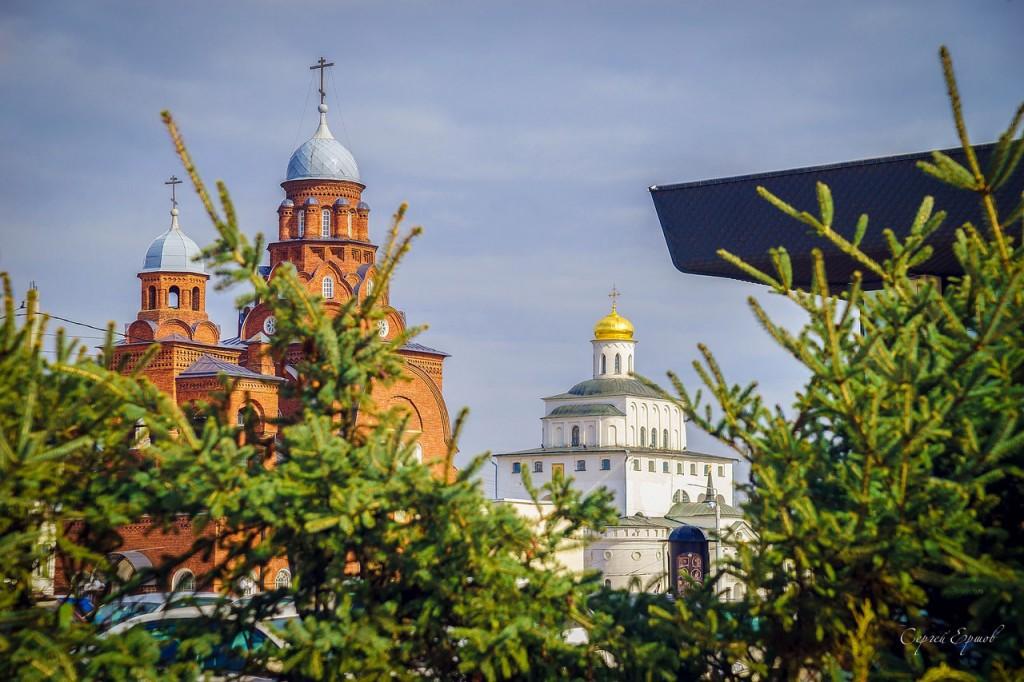 Весенний солнечный денек в центре Владимира