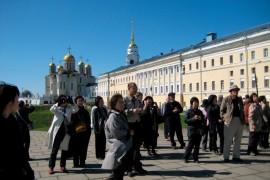 Иностранные туристы с удовольствием едут в Россию