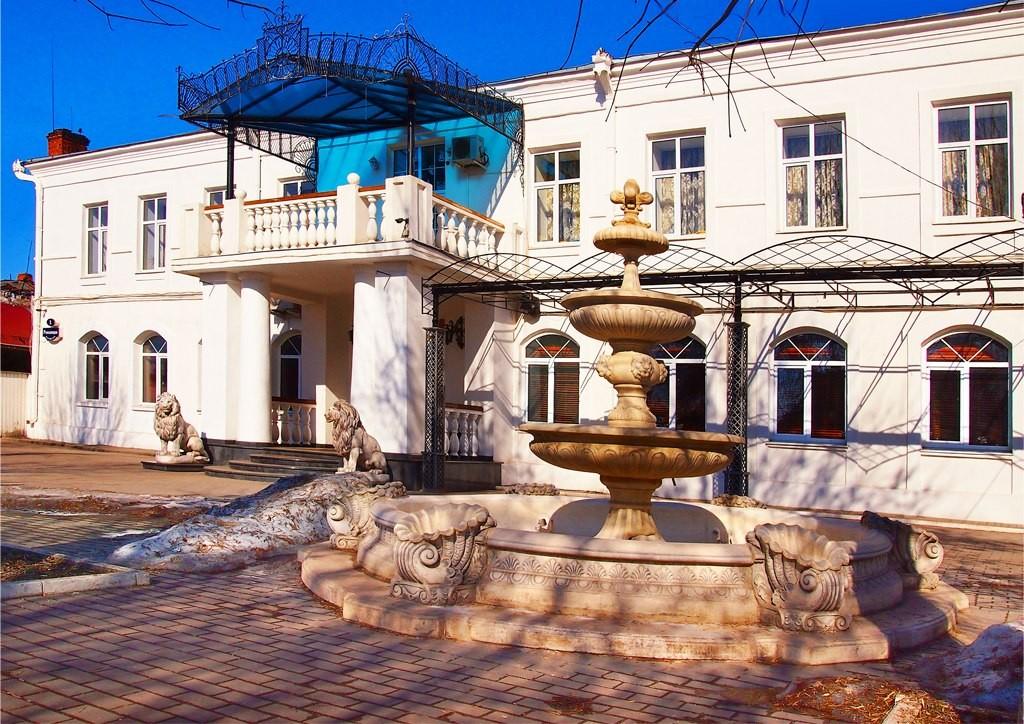 Муром. Площадь Революции (бывшая Сенная), дом №11 - март 2015 01