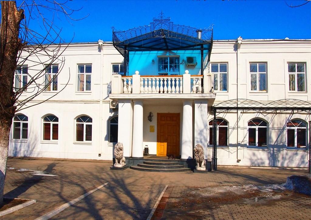 Муром. Площадь Революции (бывшая Сенная), дом №11 - март 2015 02