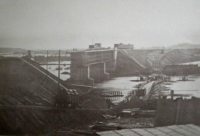 Старый Ковров. Первый ЖД мост Коврова, который рухнул в 1867 г.