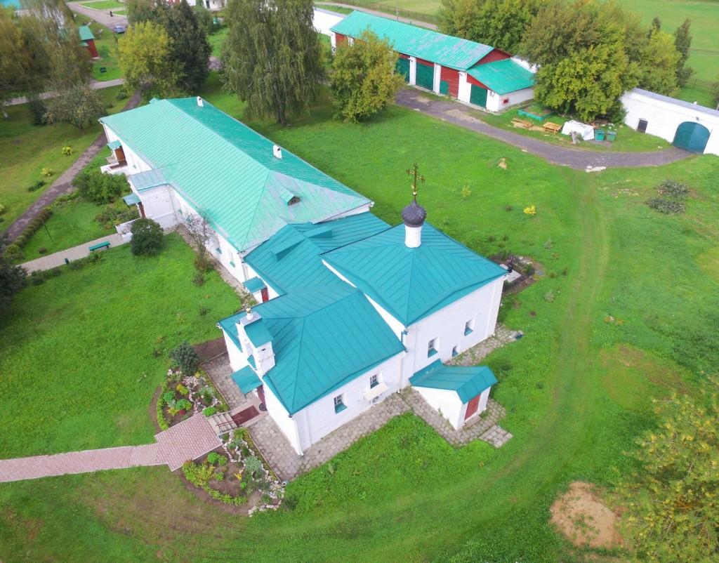 Храм Сретения Господня Успенского монастыря в городе Александров 02