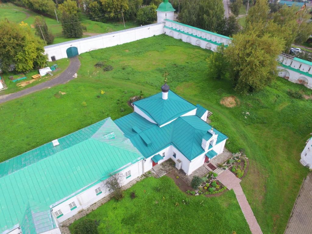 Храм Сретения Господня Успенского монастыря в городе Александров 04