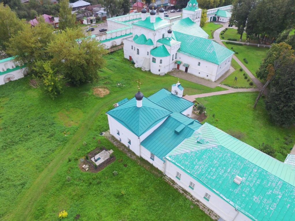 Храм Сретения Господня Успенского монастыря в городе Александров 06