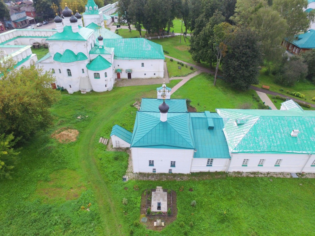 Храм Сретения Господня Успенского монастыря в городе Александров 07