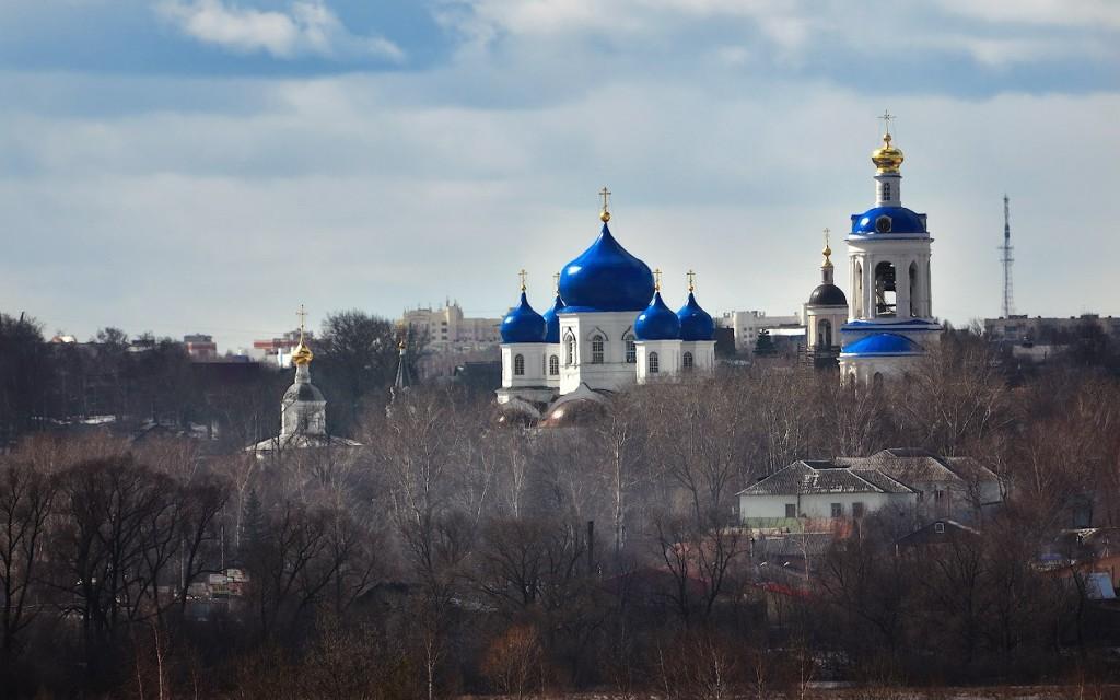 Боголюбский монастырь с расстояния трех километров