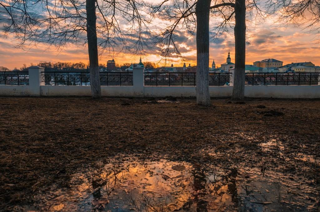 Выразительное апрельское небо во Владимире (на закате дня) 05