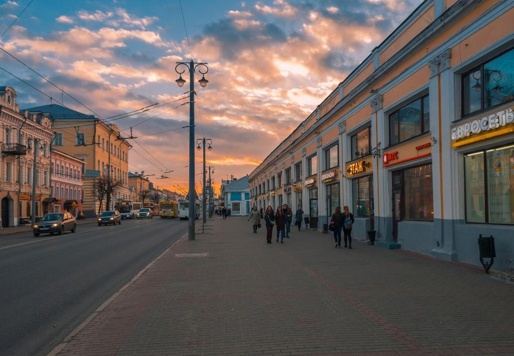 Выразительное апрельское небо во Владимире (на закате дня) 07