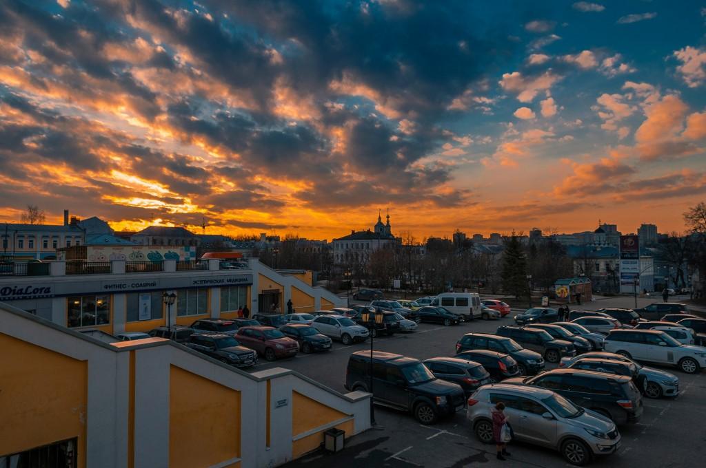 Выразительное апрельское небо во Владимире (на закате дня) 08