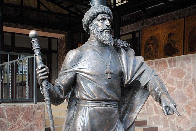 Открытие памятника царю Ивану Грозному в г. Александров 01