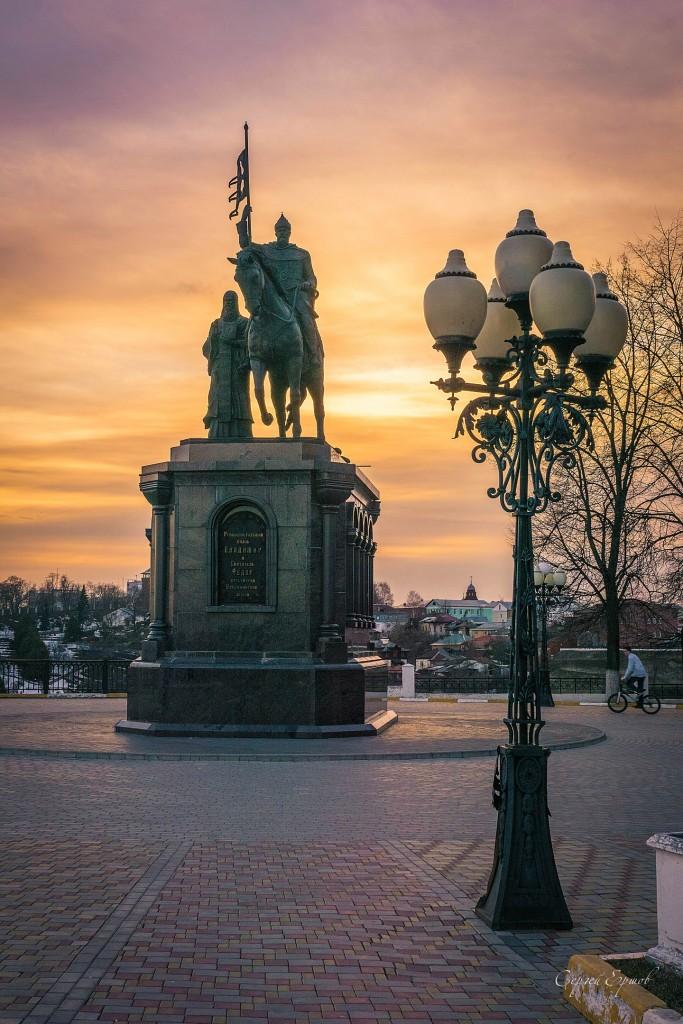 Памятник князю Владимиру и святителю Фёдору. Счастье в простых вещах...