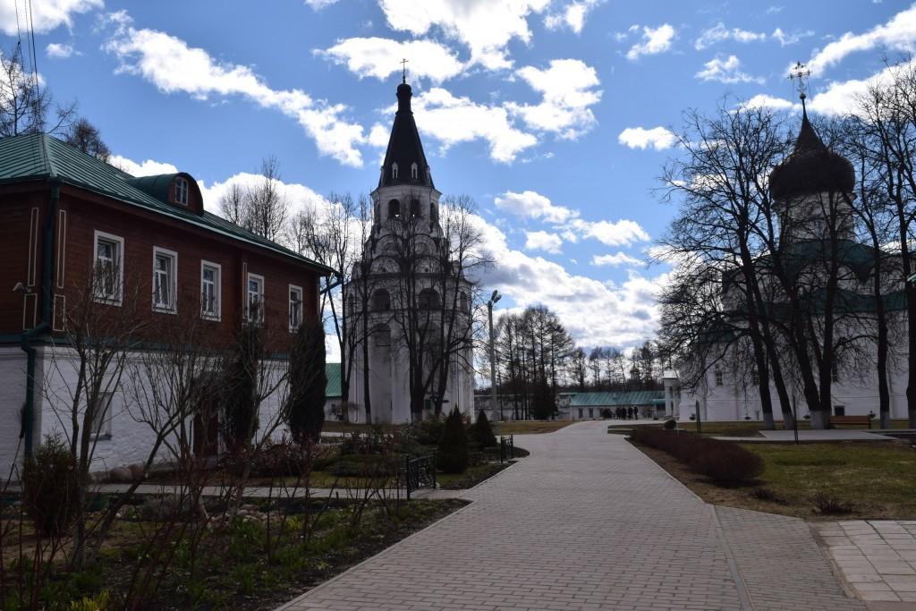 Прогулка по Александрову. Весна 00
