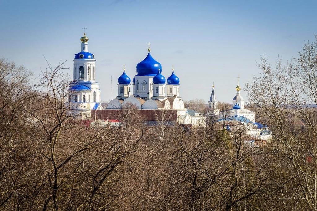Свято Боголюбский Женский Монастырь в Светлый Пасхальный день
