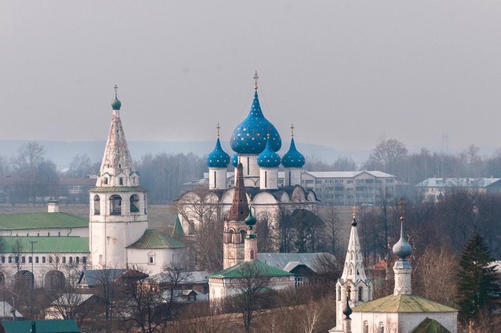Суздаль и Михайлова Сторона, пасмурно, апрель 02