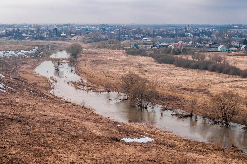 Суздаль и Михайлова Сторона, пасмурно, апрель 09