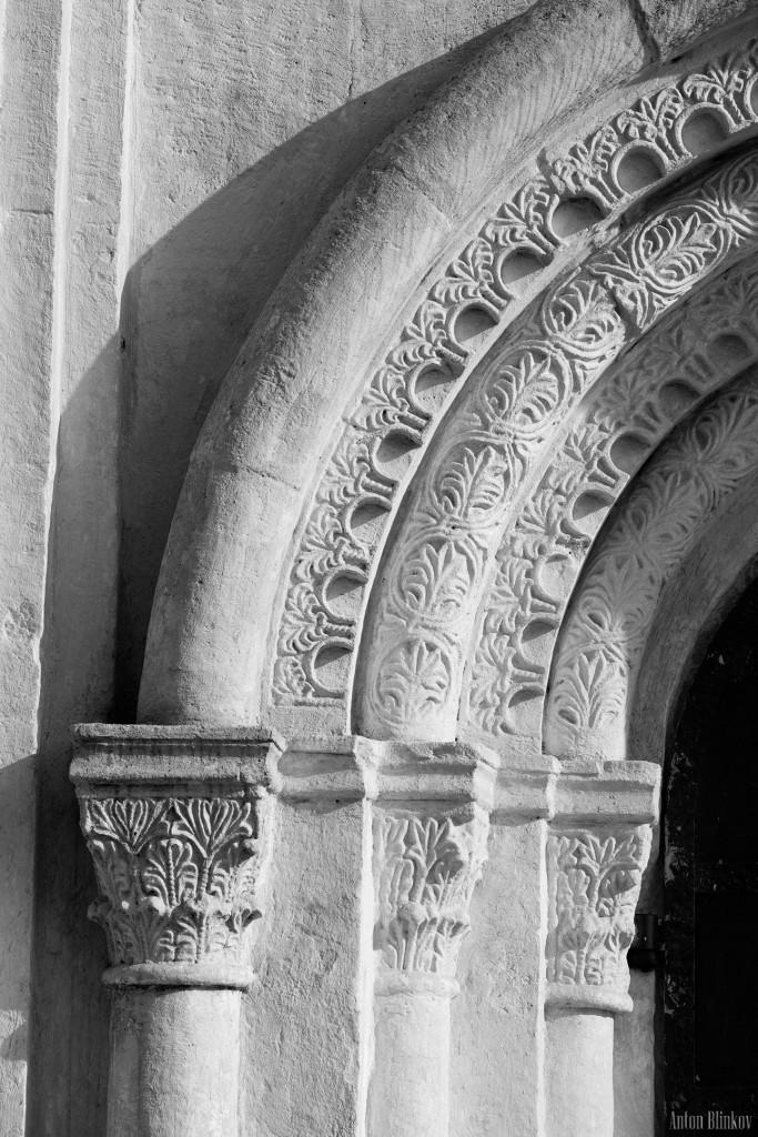 Архитектурные детали храма Покрова на Нерли 02