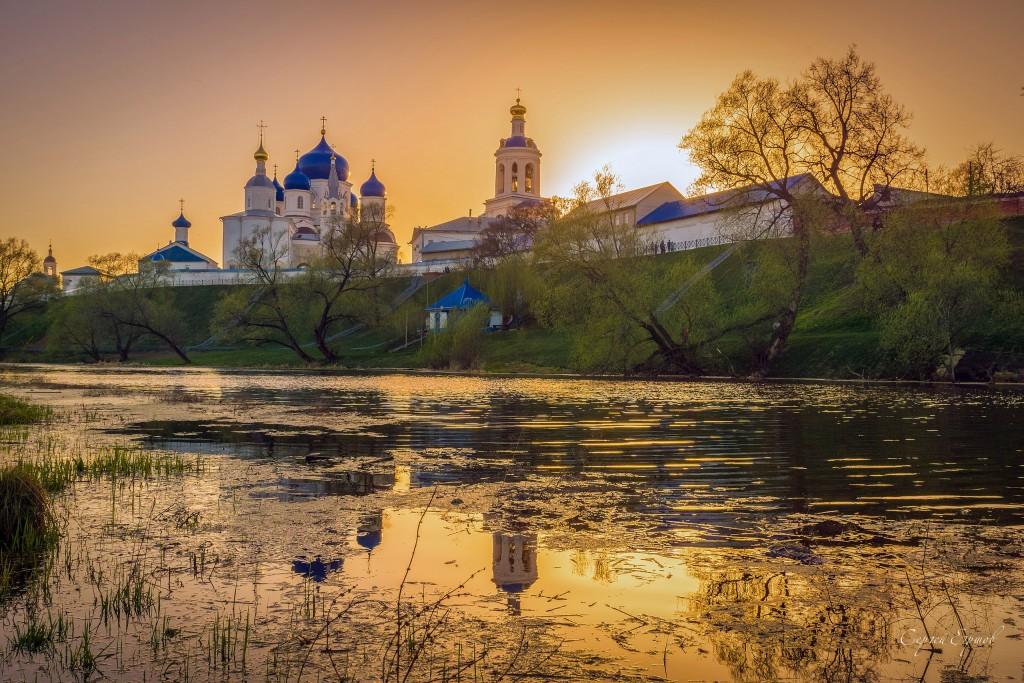 В Боголюбово на закате дня. Свято-Боголюбский женский монастырь