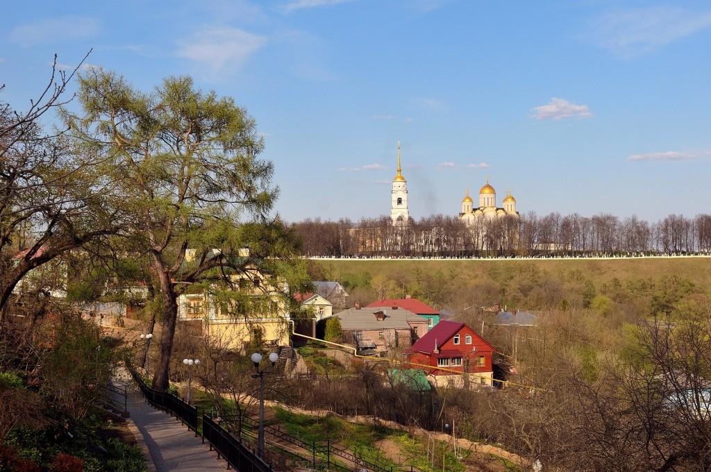 Май 2017 в Патриаршем саду Владимира 02