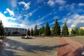 Солнечный весенний вечер на площади Прокуророва, Вербовский