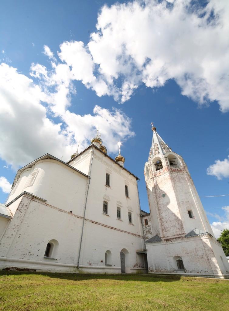 Гороховец. Троицкий собор и колокольня.