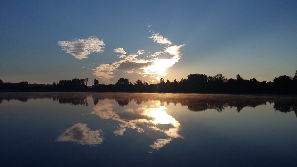 Озеро в Гусь-Хрустальном ранним утром