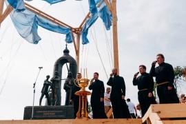 Памятника режиссеру Андрею Тарковскому и его «Андрею Рублеву» в Суздале