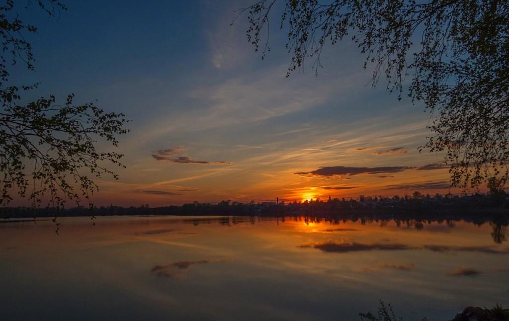 Закат на киржачском озере 02