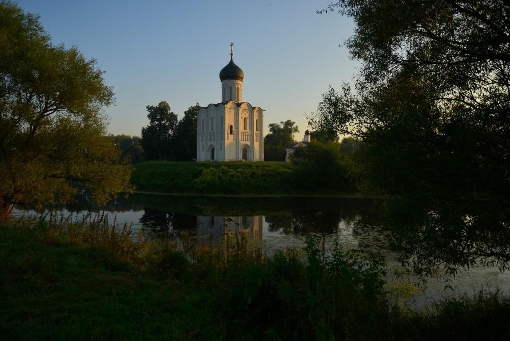Рассвет у церкви Покрова-на-Нерли 05