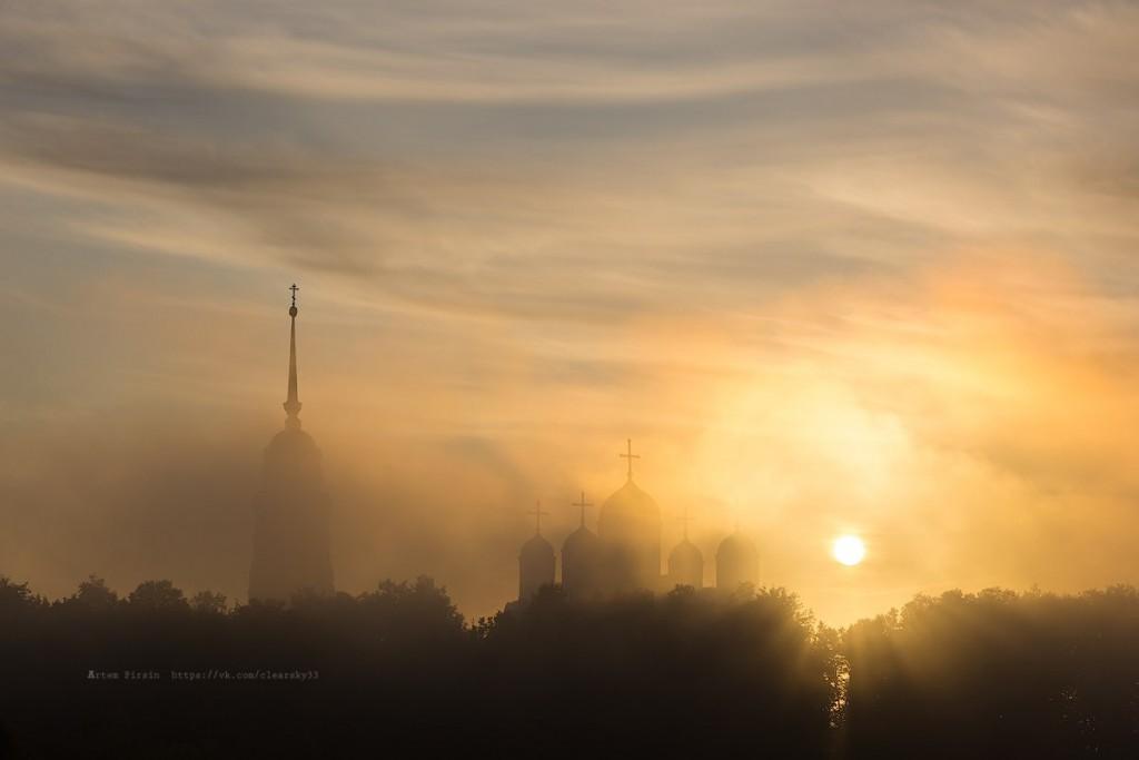 Туманное утро во Владимире 01