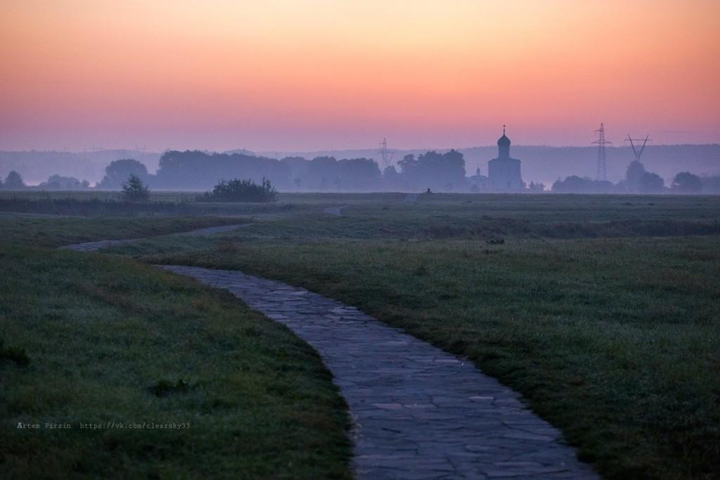 Утренняя прогулка к храму Покрова на Нерли 07