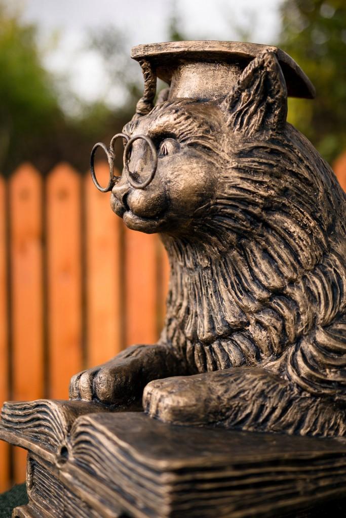 Трёхсотлетний дуб-старожил и кот ученый 04