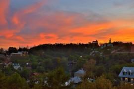 Яркий, осенний закат во Владимире