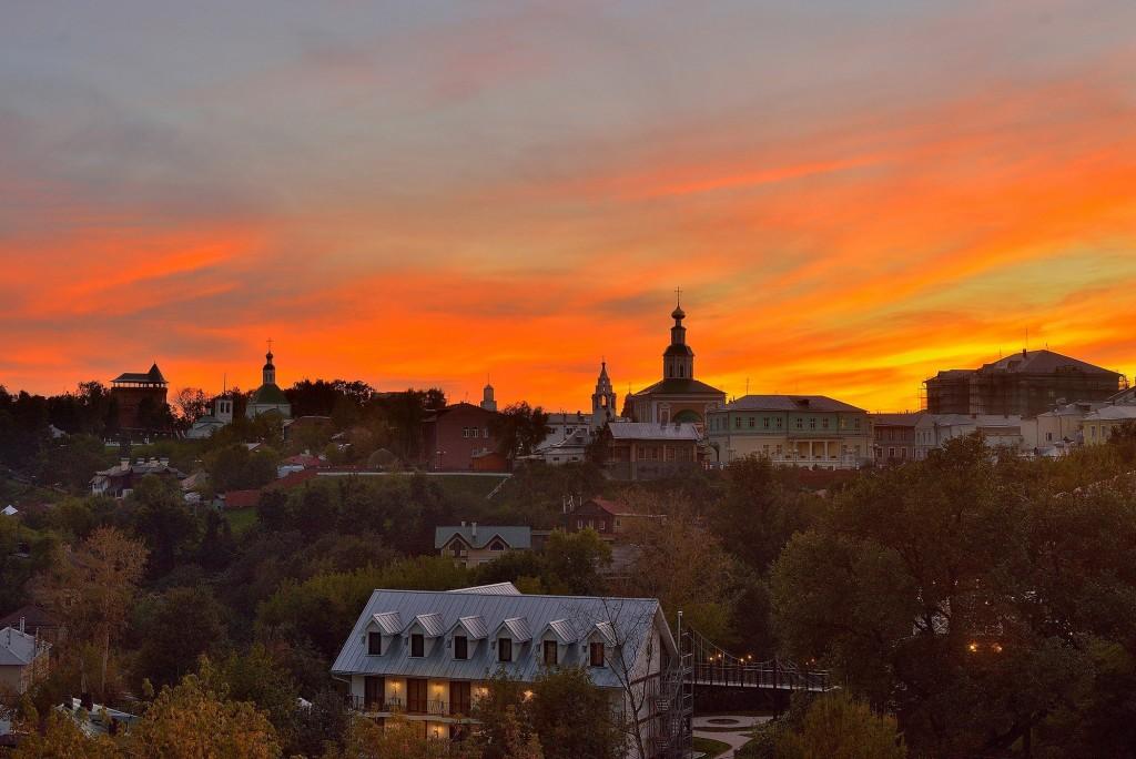 Яркий, осенний закат во Владимире 03