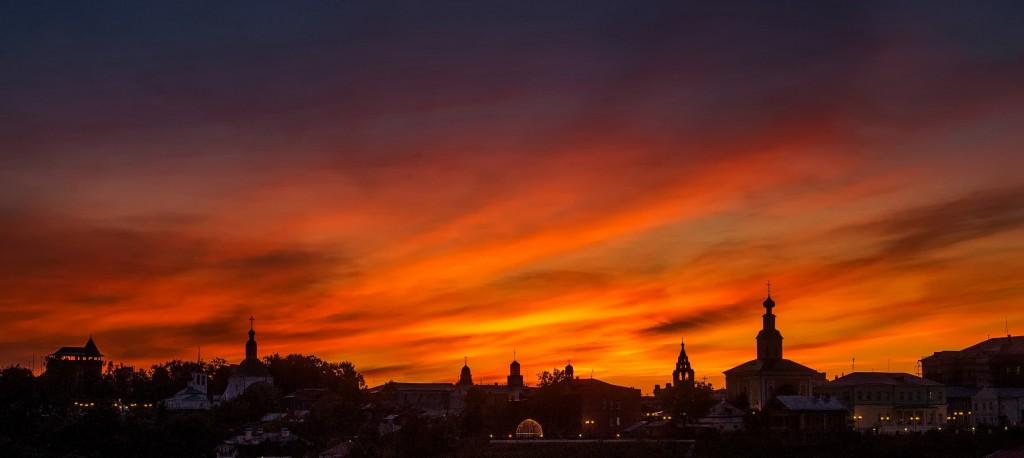 Яркий, осенний закат во Владимире 06