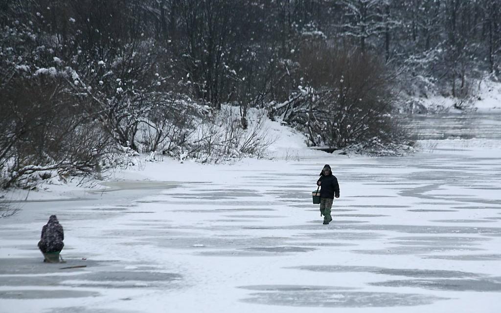 Первый лед на Клязьме и первые рыбаки 04