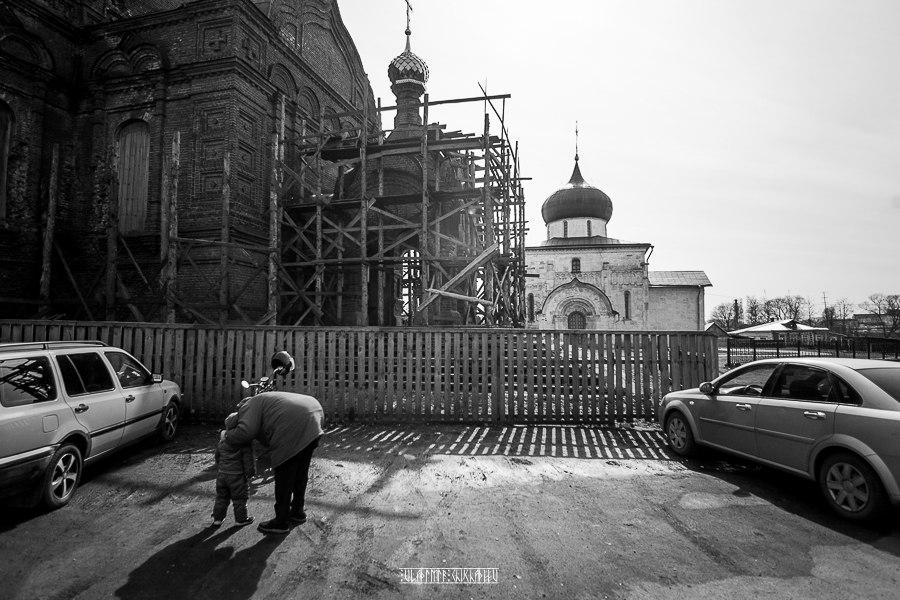 Юрьев-Польский в черно-белых тонах от Владимира Чучадеева 02