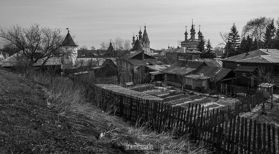 Юрьев-Польский в черно-белых тонах от Владимира Чучадеева 09
